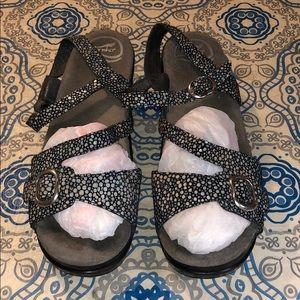Dansko lether Printer Sandals